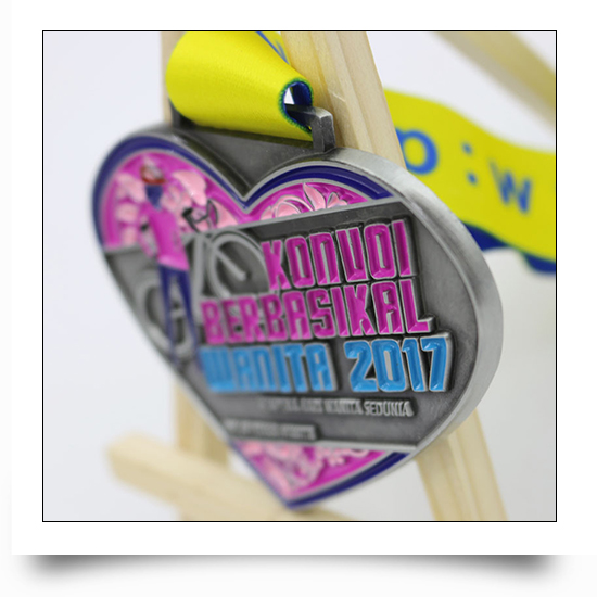 Heart Cycling Medal